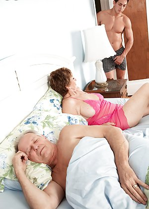 Milf Reality Porn Pics