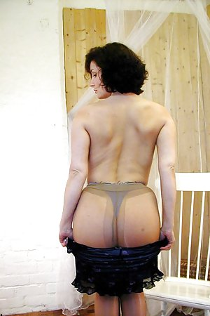 Milf in Pantyhose Porn Pics