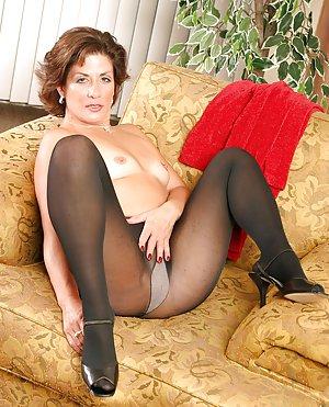 Milf in Pantyhose Porn Pics