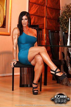 Milf Legs Porn Pics