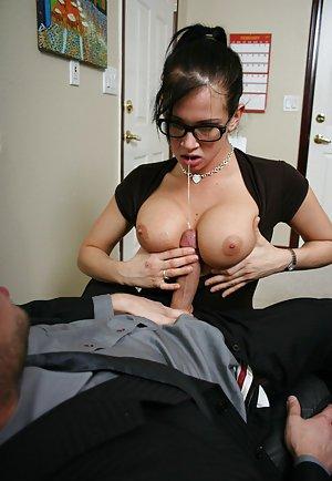 Milf Titjob Porn Pics