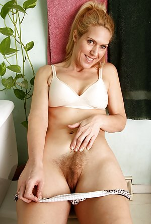 Hairy Pussy Milf Porn Pics