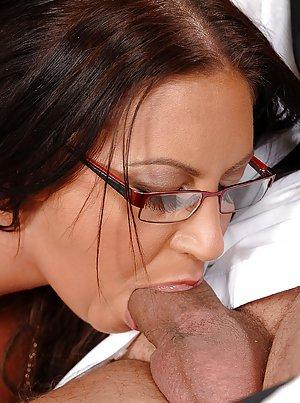 Deep Throat Porn Pics