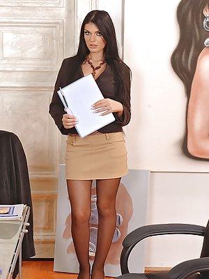 Milf Skirt Porn Pics