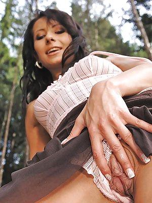 Free picture upskirt, rachal maadams nude