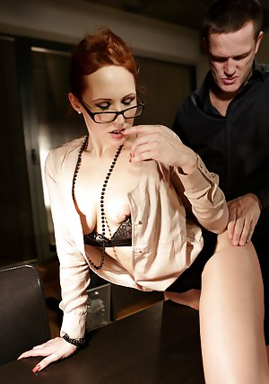 Secretary Porn Pics